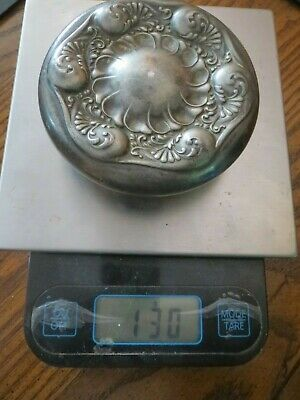 Antique Victor Silver Co. Quadruple Plated Floral Lid 130 Grams