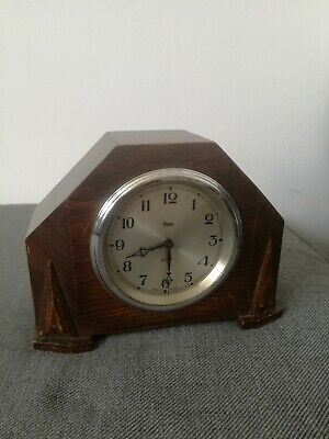 Oak Cased Art Deco Sec 8 day clock Made in England for restoration.