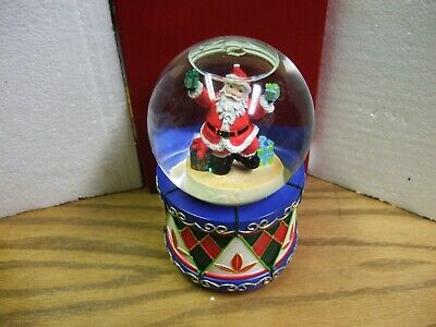 Waterford Holiday Heirlooms Musical Waterglobe # 139220 New In Box
