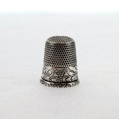 Old or Antique Sterling Silver Sewing Thimble Engraved w Birds and Flowers - Sl