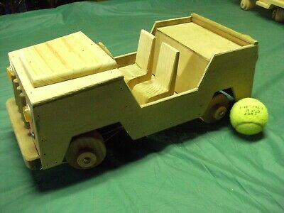 Wooden Pull - along Jeep