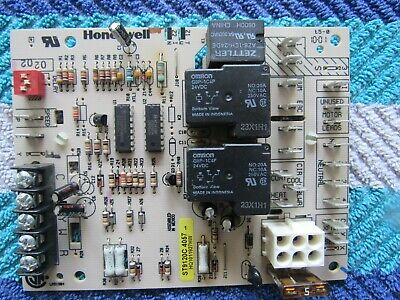 Honeywell Furnace Circuit Board  ST9120C 4057