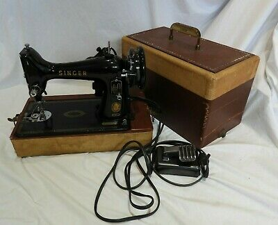 Vintage Singer Sewing Machine in Portable Case by The Singer Manufacturing Co