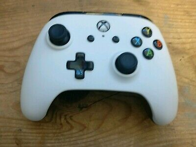 PowerA Enhanced Wired Controller for Microsoft Xbox One - **Slightly Faulty**