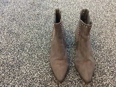 Grey Pull On Ankle Boots Size 6 By Primark