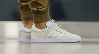 Mens Adidas Originals Gazelle BB5475 Leather Suede Trainers Off White Gold