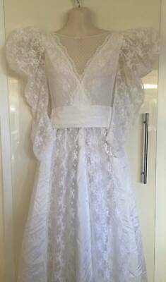 Vintage Wedding White Lace Dress With Belt and Veil - Size 8