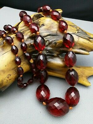 ART DECO VINTAGE Faceted CHERRY AMBER BAKELITE BEADS NECKLACE 74 G - Large