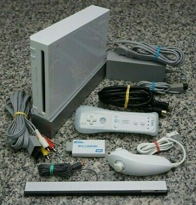 Nintendo Wii RVL-001 White Console W/ Cables, Remote, HDMI Adapter Tested FR/SH