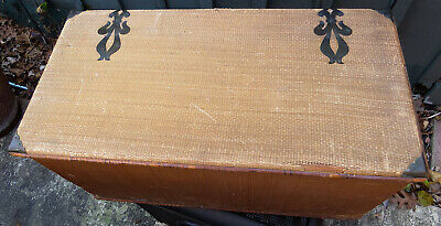 Vintage Antique Boho Wicker Rattan Storage Trunk Chest Natural Metal Accents