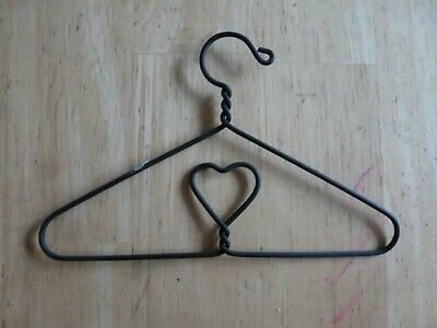 Hanger With Heart Banner Holder