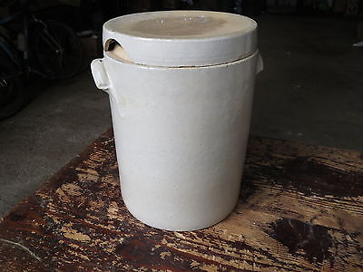 Antique Bad Pot in Grease Sandstone Pottery Peasant Woman French