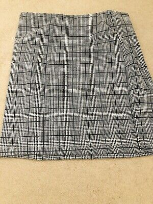 💗SALE💗 Girls New Look Mini Tube Skirt Black & White Dog Tooth Age 9 Worn Once