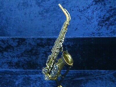 La-Monte Superior Alto Saxophone Ser#B8525 Made in Italy Excellent Player!**