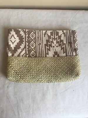 Contemporary Women's Fashion Neutral Tribal Pattern Travel Cosmetic Bag