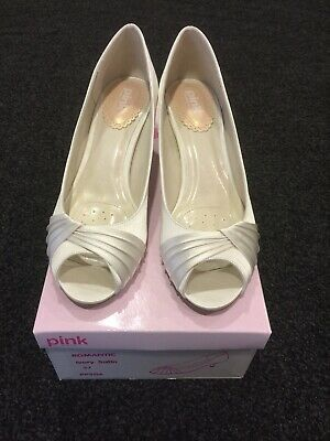 Romantic Paradox Pink Wedding/Glamour Shoes In Ivory Satin. Size 4 (37)