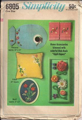 Vintage Pillow, Two Placemats, Two Napkins Sewing Pattern S6805