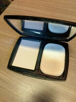 Le teint ultra compact Chanel Paris couleur 22 beige rosé