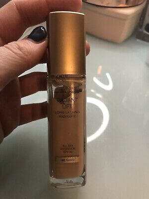 Max Factor Radiant Lift Long Lasting Radiance Foundation SPF30 30ml - Shade: