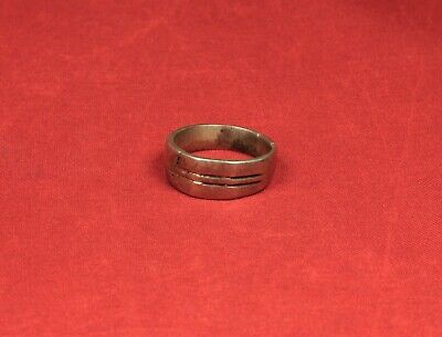 Late Medieval Silver Finger Ring - 17. Century