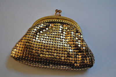 70's Glomesh gold purse