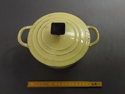 Antique Small Casserole Cast-Iron round Colours Yellow Loewy Vintage