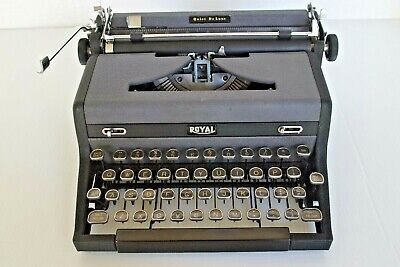 1948 Royal Quiet Deluxe  Portable Manual Typewriter With Case Working Glass Keys