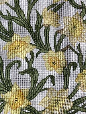 Beth Russell DESIGNERS FORUM~Daffodils Embroidery Kit~Arts And Crafts FLOWERS