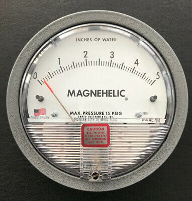 """Dwyer Magnehelic Differential Pressure Gauge 0-5"""" W.C. Divisions 0.10 - 2005"""