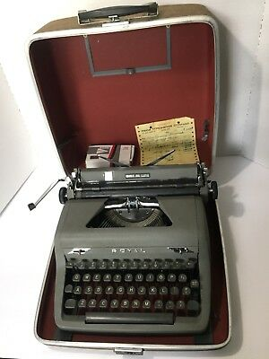 VINTAGE 1950s ROYAL QUIET DELUXE PORTABLE TYPEWRITER W/ CASE ORIG RECEIPT WORKS!