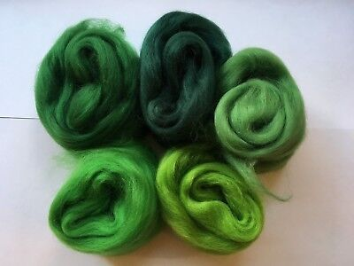 Merino wool roving/tops - Green colours - wet/needle felting/spinning (J)