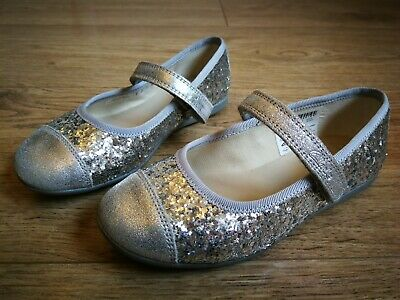 WORN ONCE! Clarks Girls Silver Glitter Party Ballerina Pump Shoes UK Infant 9 G