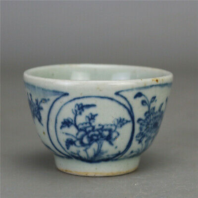 """2.91""""China Antique Blue and white Porcelain painting flower pattern cup teacup"""