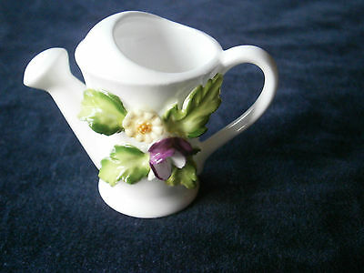 China decorative watering can by Maruri Masterpiece.