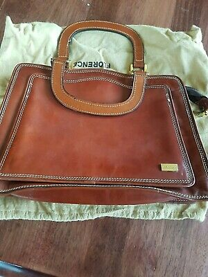 Oroton Vintage leather Handbag with original Dust bag. Sturdy and lovely.