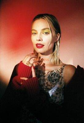 MARGOT ROBBIE Hollywood Celebrity Poster TV Movie Poster 24 in by 36 in 15