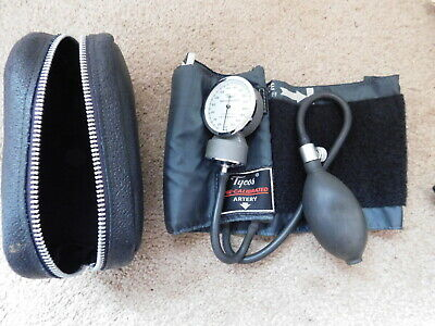 Tycos Sphygmomanometer Adult Size Cuff And Ball Blood Pressure Very Good