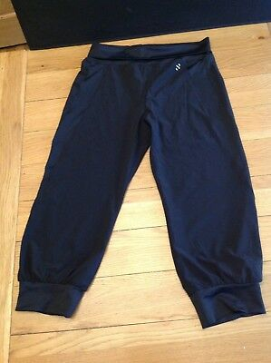H&M 3/4 length black sports trousers age 12-14 yrs