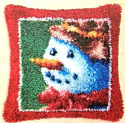 "Latch Hook Rug /Pillow  Christmas Kit ""Snowman Fever"""