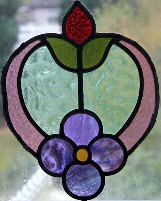 Beautiful Original 1920'S Floral Stained Glass Fragment Ideal For Hanging