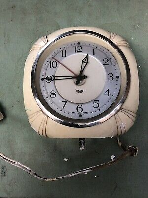 Vintage Smith Sectric electric Bakerlite wall clock, Untested , Requires A Clean