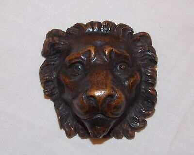 Small 17th Century Carved Oak Lions Head c1660