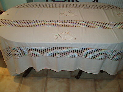 """VINTAGE LINEN EMBROIDERED TABLE CLOTH 90"""" x 58"""""""