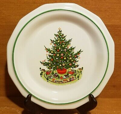 """Pfaltzgraff CHRISTMAS HERITAGE Salad/Luncheon plate 8 1/4"""", Christmas, Excellent"""