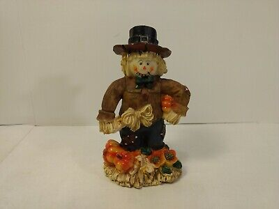 AC Moore Man Scarecrow In Pumpkin Patch Resin Fall Halloween Decoration h282