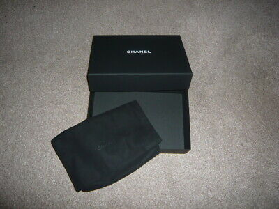 CHANEL Wallet Box and Velvet Bag, Excellent condition