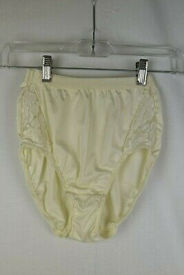 NWOT Vintage Warners Cream Lace High Waisted Panties Size 5