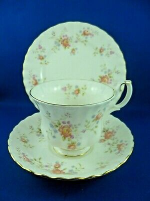 Vintage Royal Albert Made In  England Peach Rose Tea Cup, Saucer & Plate  1982