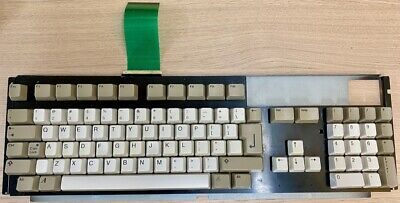 Amiga 1200 keyboard complete, clean, working