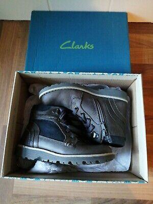 Clarks Boys Grey Leather Infant Shoes Boots Size uk 8.5 Day Music Infant